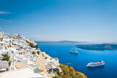 Witte architectuur op Santorini-eiland, Griekenland Royalty-vrije Stock Afbeeldingen