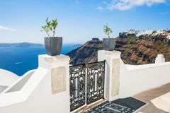 Witte architectuur op Santorini-eiland, Griekenland Stock Foto