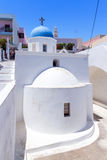 Witte kerk van stad Fira op eiland Santorini Stock Foto's