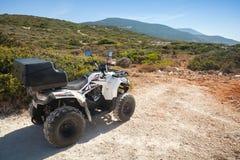 Witte ATV-Eeuwigheid over land 200 van de vierlingfiets Royalty-vrije Stock Afbeeldingen