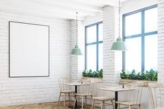 Witte baksteenkoffie, bar en affiche, hoek Stock Foto