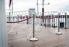 Witte barricade in de stad royalty-vrije stock fotografie