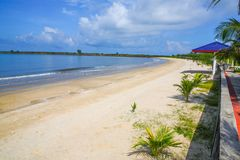 Witte Beachl in koh kong provincie in koninkrijk van Kambodja dichtbij de grens van Thailand Stock Afbeelding