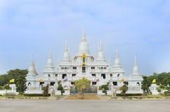 Witte Boedha glanst in tempel Thailand Stock Foto