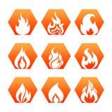 Witte brandvlam op kleurrijke achtergrond - de pictogrammen van de brandvlam geplaatst vector vector illustratie