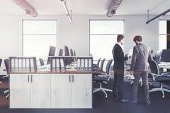 Witte bureau binnenlandse boekenkast, mensen Stock Afbeelding