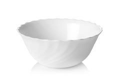 Witte ceramische die kom op witte achtergrond wordt geïsoleerd Royalty-vrije Stock Foto