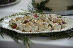 Witte Chocolade Behandelde Aardbeien stock afbeelding
