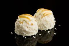 Witte de chocoladeballen van de kokosnoot Royalty-vrije Stock Foto's
