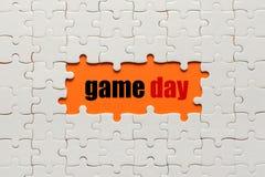 Witte details van raadsel op oranje Dag als achtergrond en rebus royalty-vrije stock afbeeldingen