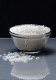 Witte die rijst in kop wordt gemeten Stock Fotografie