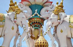 Witte Elehants-standbeelden in de straat van Bangkok, Thailand Royalty-vrije Stock Foto