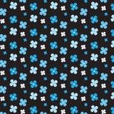 Witte en blauwe het patroon zwarte achtergrond van de bloem verschillende grootte Stock Foto