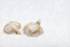 Witte en gouden Kerstmisornamenten Stock Afbeeldingen