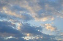 Witte en grijze wolk een somber weer De zomer, stratosfeer stock fotografie