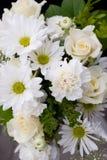 Witte en Groene Bloemen royalty-vrije stock afbeeldingen