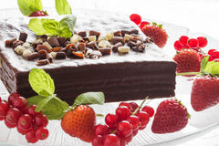 Witte en zwarte chocoladecake Stock Foto