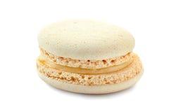 Witte Franse macaron op wit Royalty-vrije Stock Fotografie