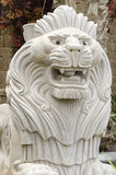 Witte gebeeldhouwde leeuw Royalty-vrije Stock Foto's