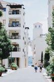 Witte gebouwen in Porto Montenegro royalty-vrije stock foto's