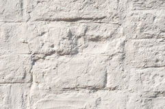 Witte geschilderde bakstenen muur Stock Afbeeldingen