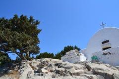 Witte geschilderde monastry Tsambika, Rhodos-Eiland, Griekenland, Europa Royalty-vrije Stock Afbeelding
