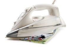 Witte geïsoleerdA ijzer en handdoeken Stock Afbeelding