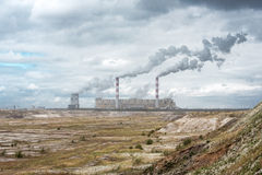Witte gevaarsrook van steenkoolelektrische centrale Stock Afbeelding