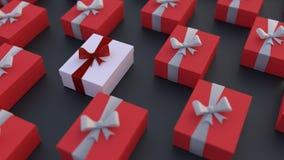 Witte giftdoos met rode die boog door rood wordt omringd Royalty-vrije Stock Fotografie
