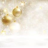 Witte gouden Kerstmisachtergrond met snuisterijen Royalty-vrije Stock Fotografie