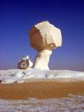Witte het krijtvorming van de Woestijnpaddestoel, Egypte, dichtbij Farafra Stock Afbeeldingen