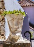 Witte Hoofdbeeldhouwwerkstraat Obidos Portugal Stock Afbeelding