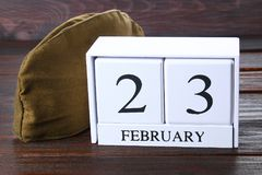 Witte houten eeuwige kalender met de datum van 23 Februari  Royalty-vrije Stock Afbeeldingen