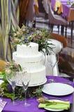 Witte huwelijkscake Royalty-vrije Stock Foto's