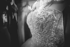 Witte huwelijkskleding Royalty-vrije Stock Foto's