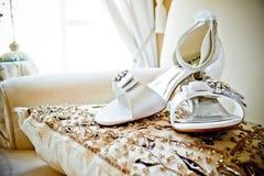 Witte huwelijksschoenen Royalty-vrije Stock Afbeelding
