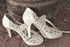 Witte huwelijksschoenen Royalty-vrije Stock Fotografie