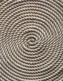 Witte kabel op een houten dek royalty-vrije stock fotografie