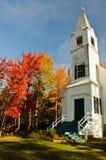 Witte kerk en van de Daling kleuren. Royalty-vrije Stock Foto's