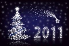 Witte Kerstboom met sterren op blauwe bacground Royalty-vrije Stock Afbeeldingen