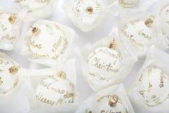 Witte Kerstmisballen royalty-vrije stock afbeeldingen