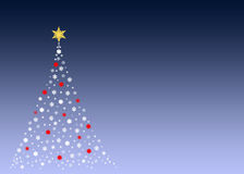 Witte Kerstmisboom op groen Royalty-vrije Stock Foto