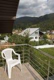 Witte ketting op het balkon Royalty-vrije Stock Foto's