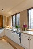 Witte keukenruimte royalty-vrije stock fotografie
