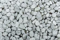 Witte kiezelstenen op de bodem van de pool stock fotografie