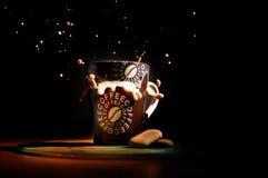 Witte koffie en koekjes Stock Afbeelding