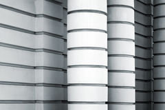 Witte kolommen en muren, abstracte architectuur Stock Fotografie