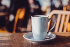 witte kop op lijst in koffie Stock Foto's