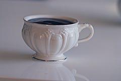 Witte kop thee met koekjes Royalty-vrije Stock Afbeeldingen