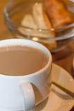 Witte kop van koffie dichte omhooggaand stock foto's